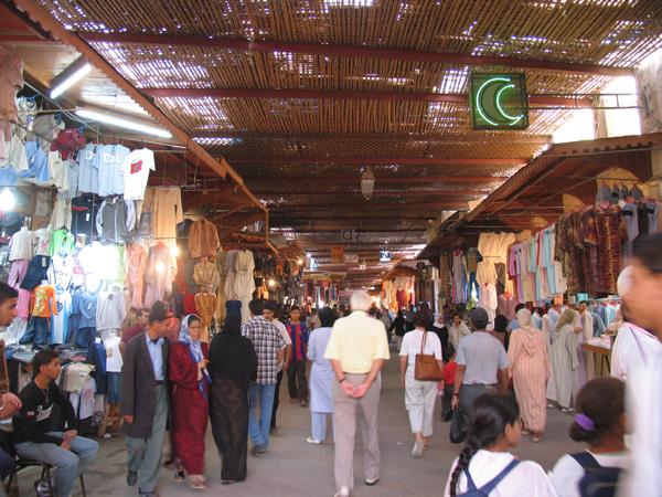 Bazarstrae-in-Fes-El-Djedid