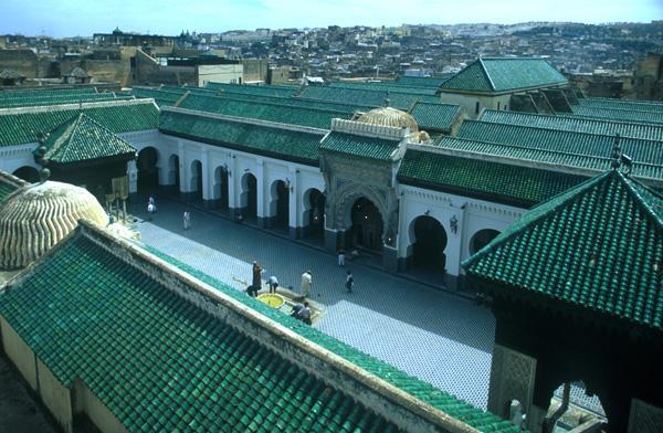 Blick-in-den-Innenhof-der-Karaouine-Moschee